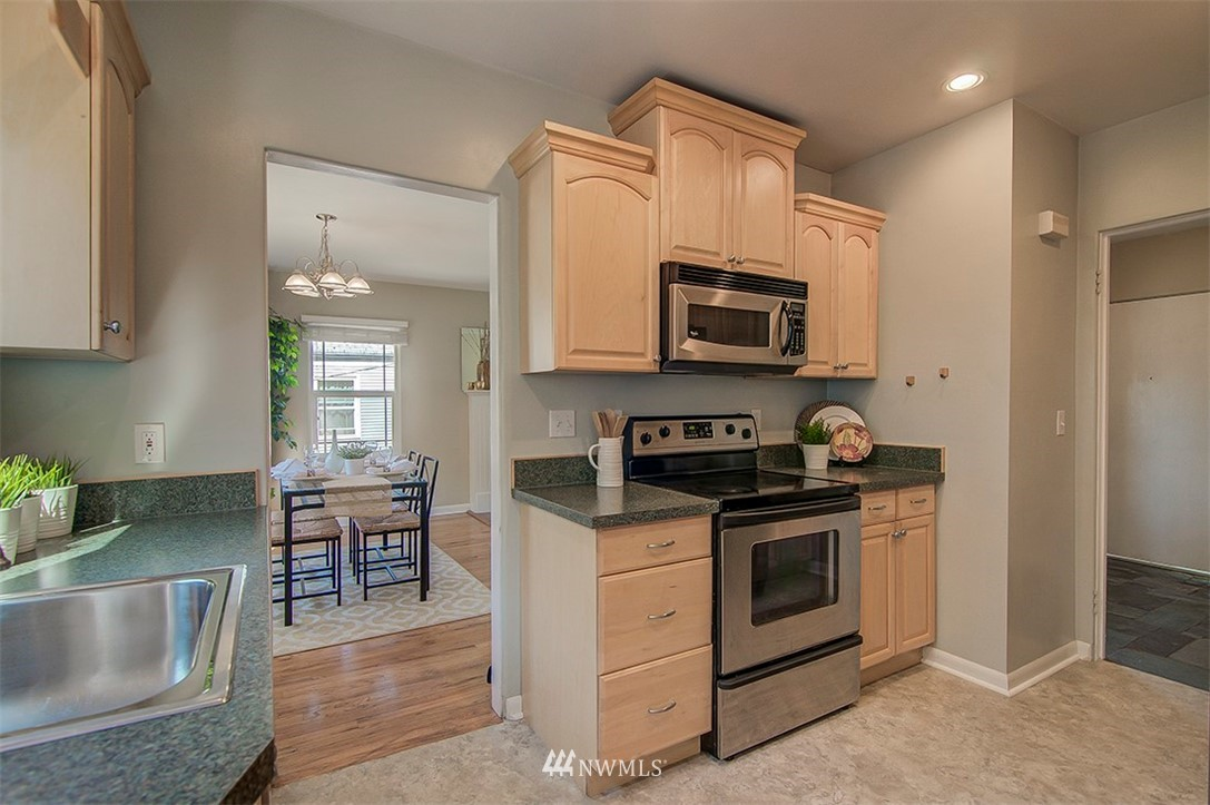 Sold Property | 14303 35th Avenue NE Seattle, WA 98125 8