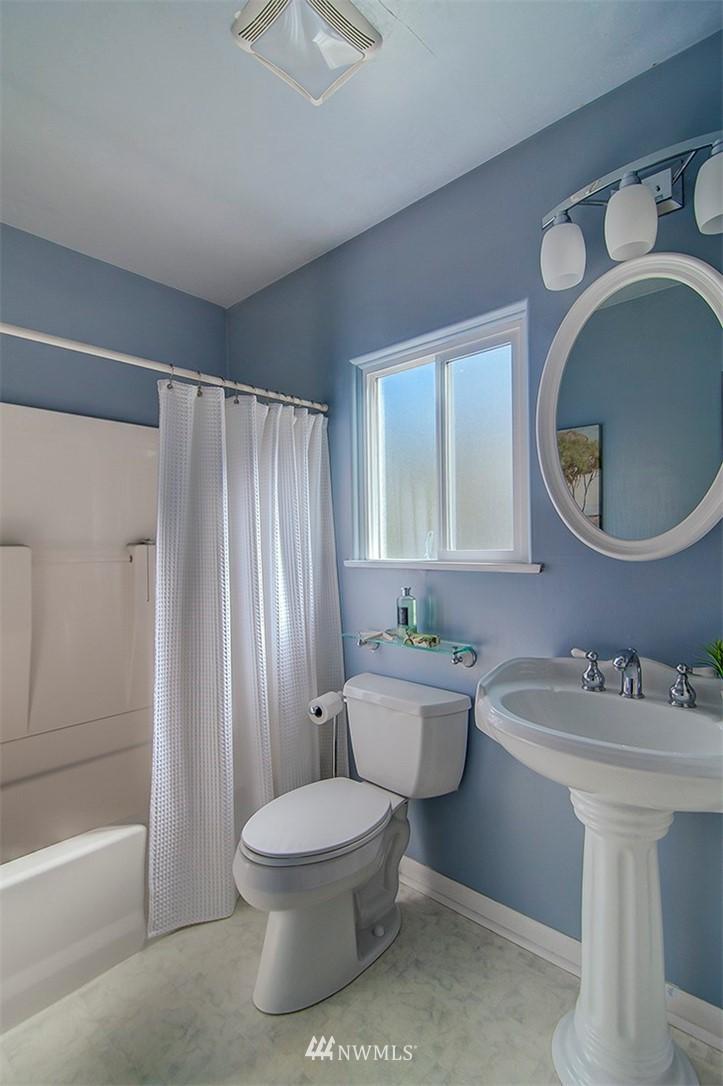 Sold Property | 14303 35th Avenue NE Seattle, WA 98125 12