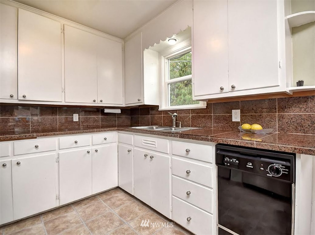 Sold Property | 10004 13th Avenue NW Seattle, WA 98177 4