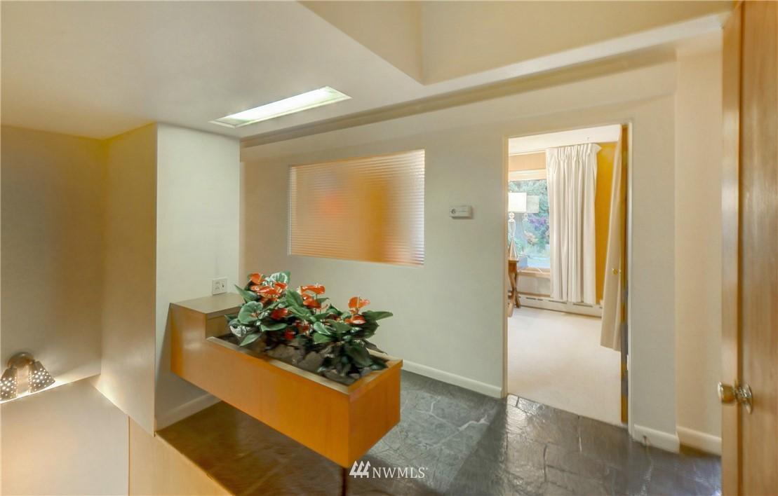 Sold Property | 16033 32nd Avenue NE Lake Forest Park, WA 98155 4