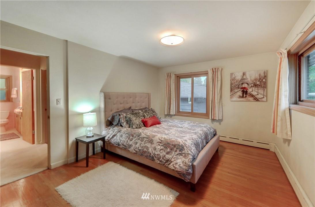 Sold Property | 16033 32nd Avenue NE Lake Forest Park, WA 98155 7