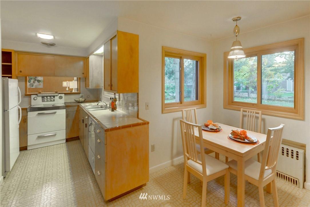 Sold Property | 16033 32nd Avenue NE Lake Forest Park, WA 98155 11