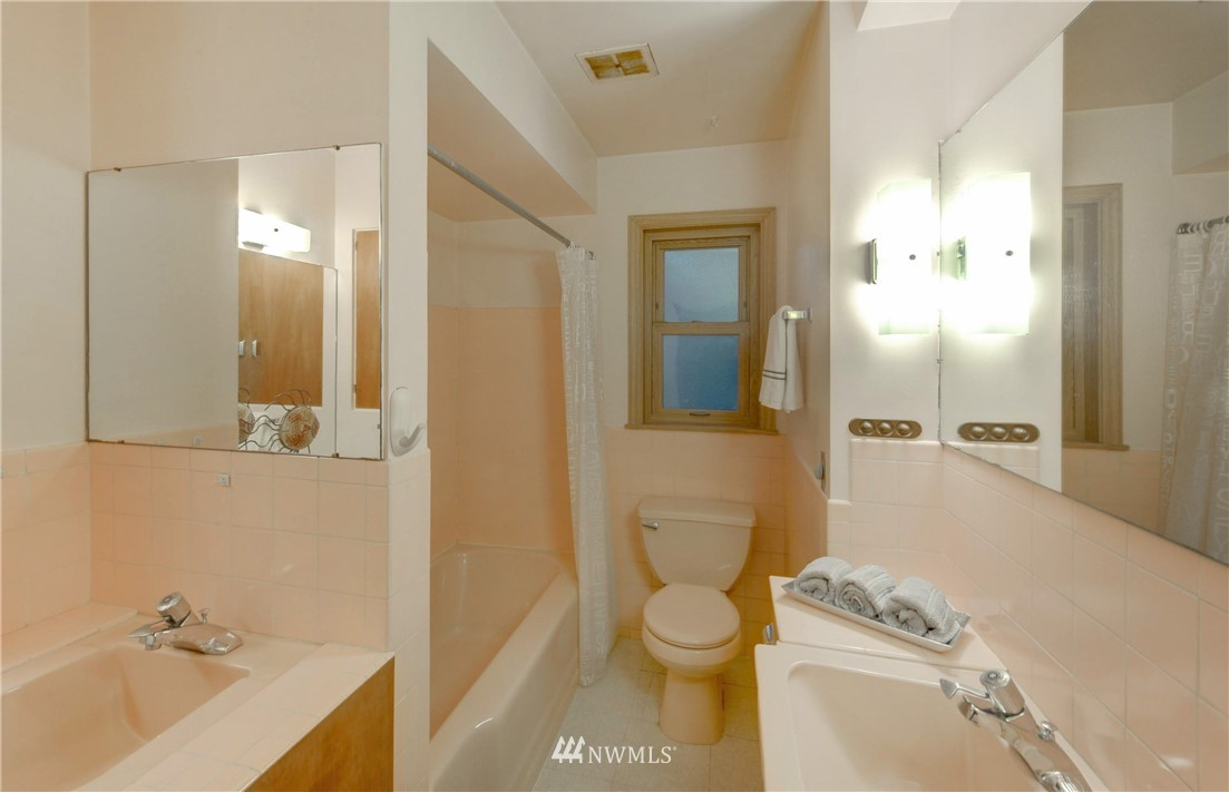 Sold Property | 16033 32nd Avenue NE Lake Forest Park, WA 98155 13