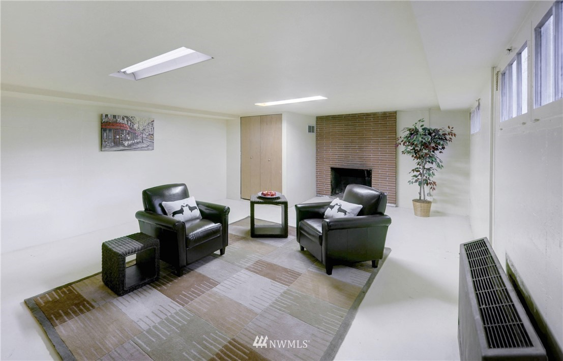 Sold Property | 16033 32nd Avenue NE Lake Forest Park, WA 98155 14