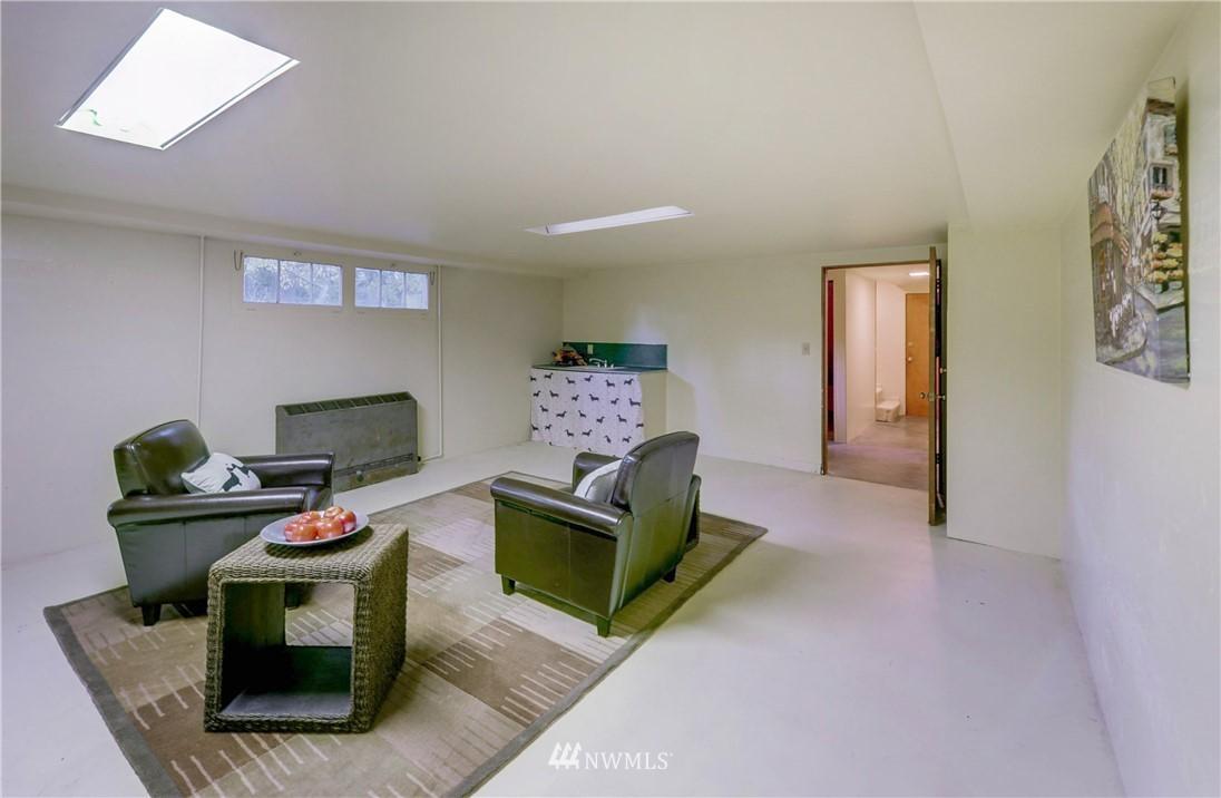 Sold Property | 16033 32nd Avenue NE Lake Forest Park, WA 98155 15