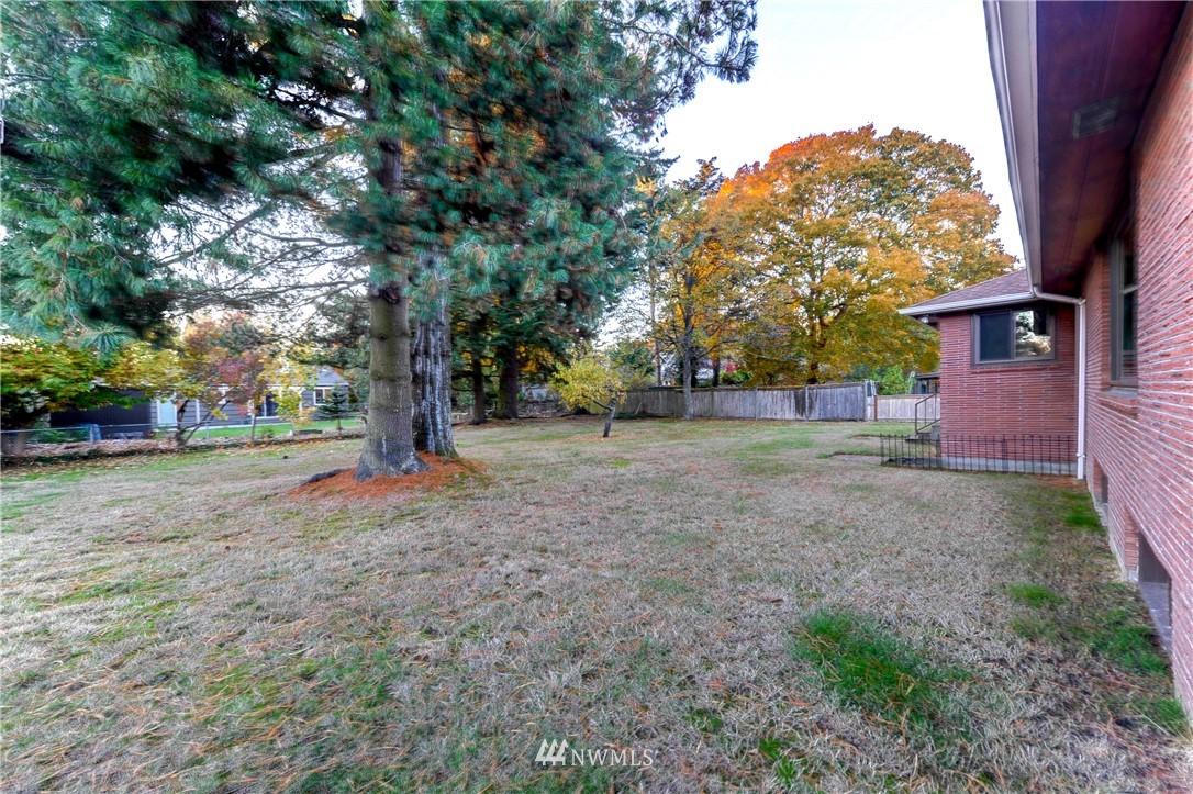 Sold Property | 16033 32nd Avenue NE Lake Forest Park, WA 98155 16