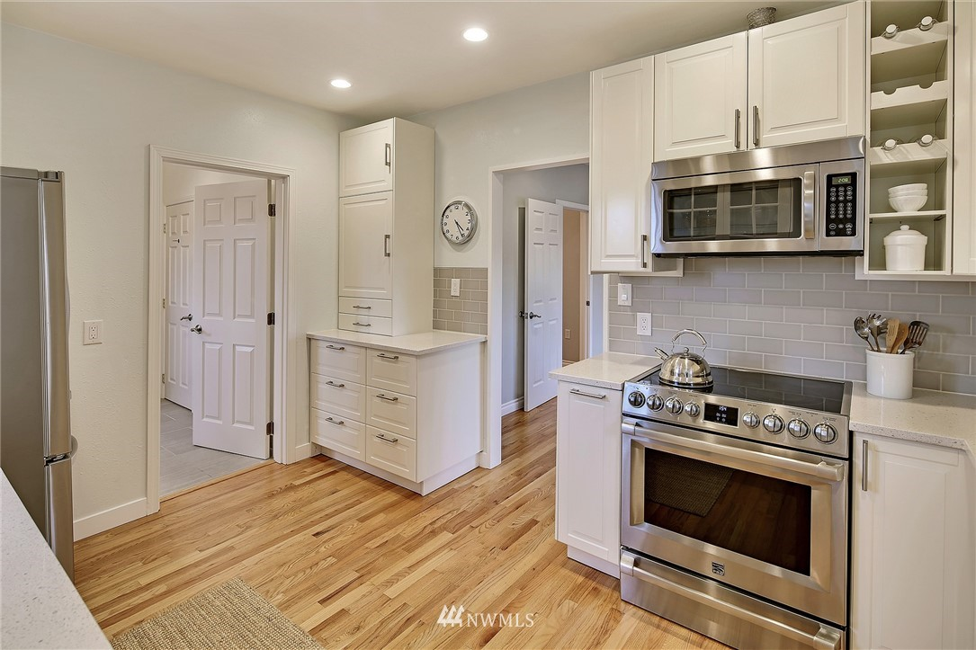 Sold Property | 7515 26th Avenue NW Seattle, WA 98117 6