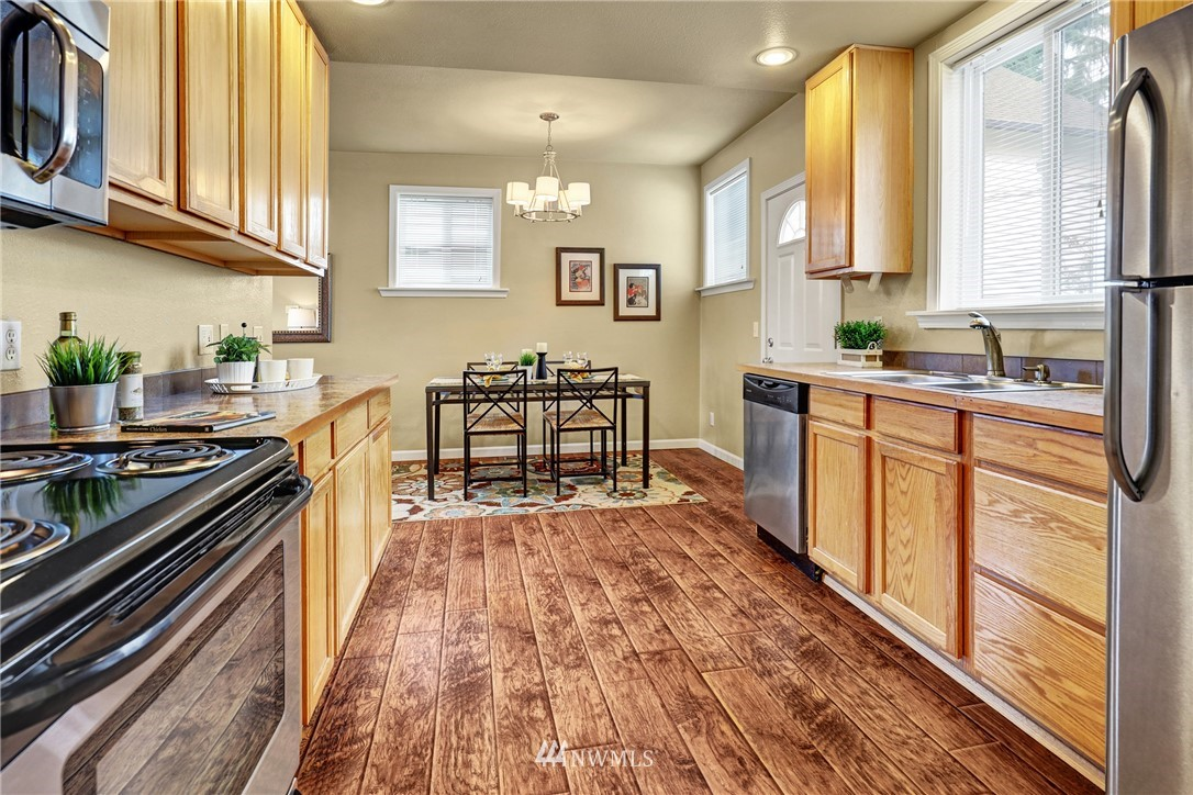 Sold Property   5570 Canfield Place N Seattle, WA 98103 5
