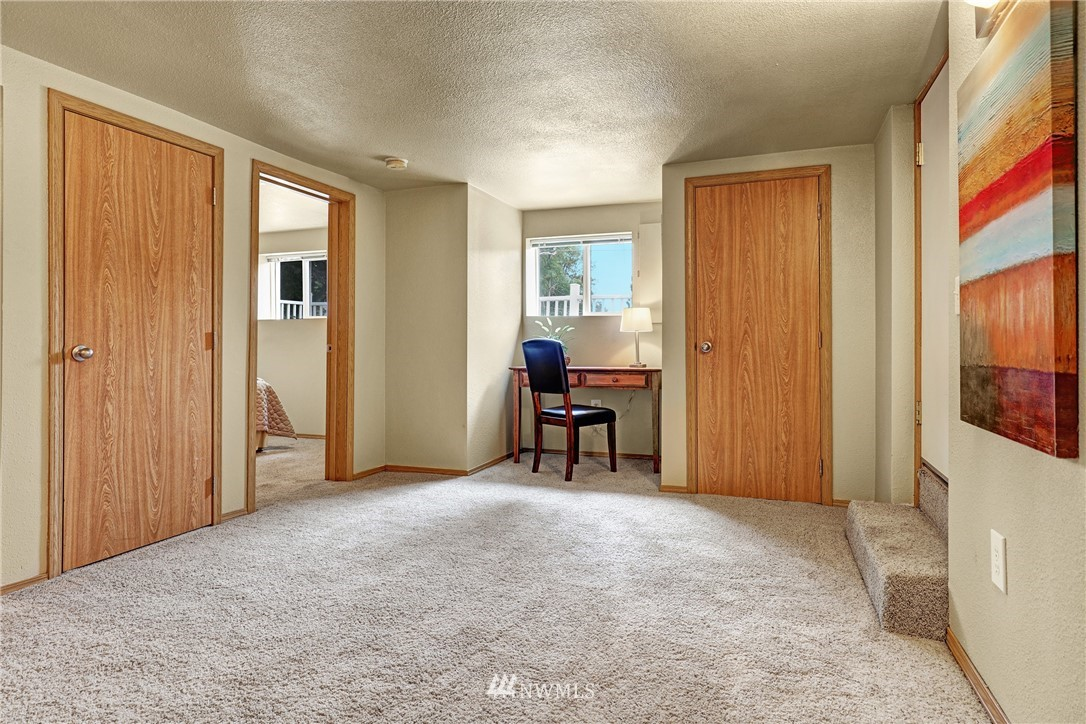 Sold Property   5570 Canfield Place N Seattle, WA 98103 11