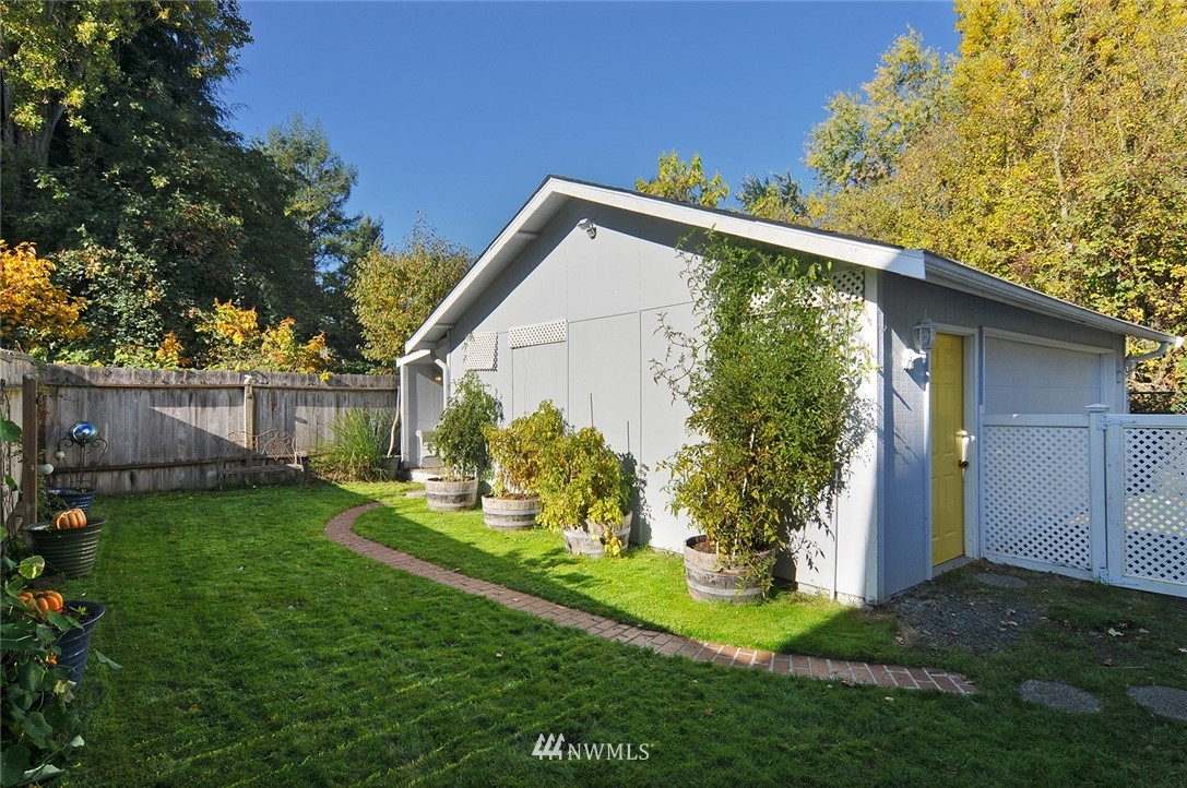 Sold Property | 9023 4th Avenue NW Seattle, WA 98117 17