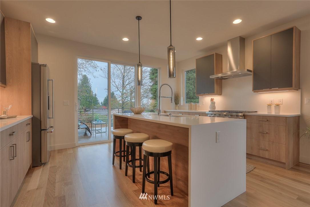 Sold Property   1532 NE 89th Street Seattle, WA 98115 8