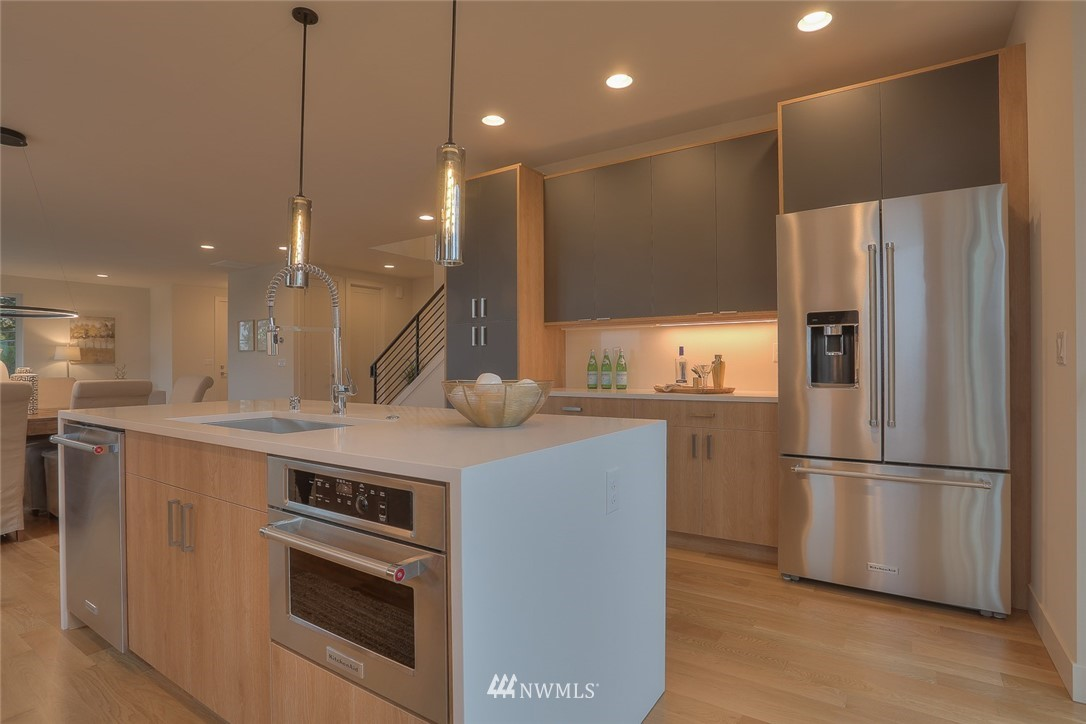 Sold Property   1532 NE 89th Street Seattle, WA 98115 9