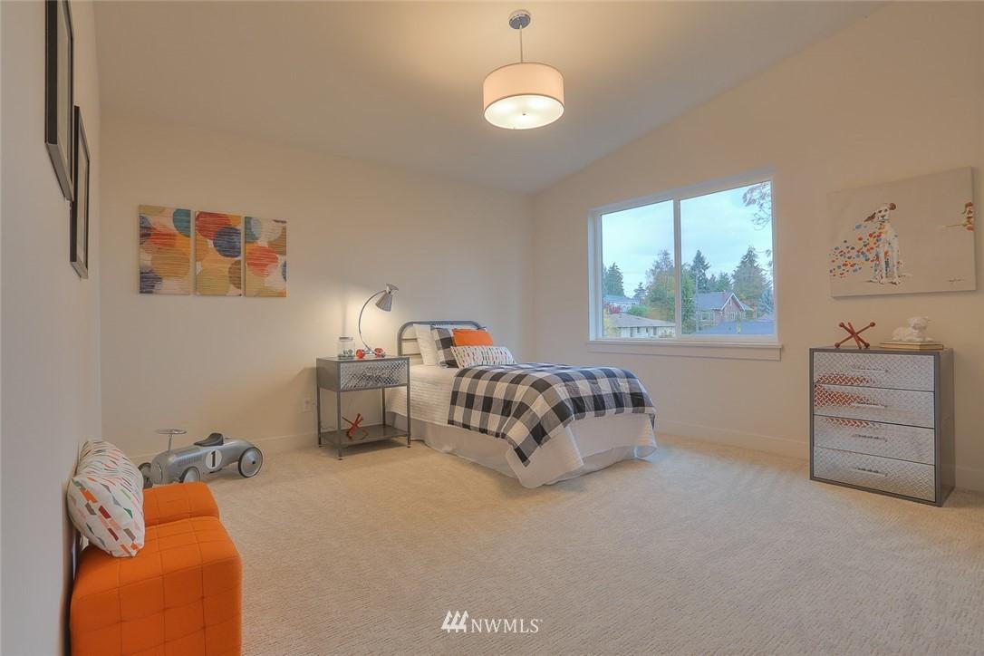 Sold Property   1532 NE 89th Street Seattle, WA 98115 14