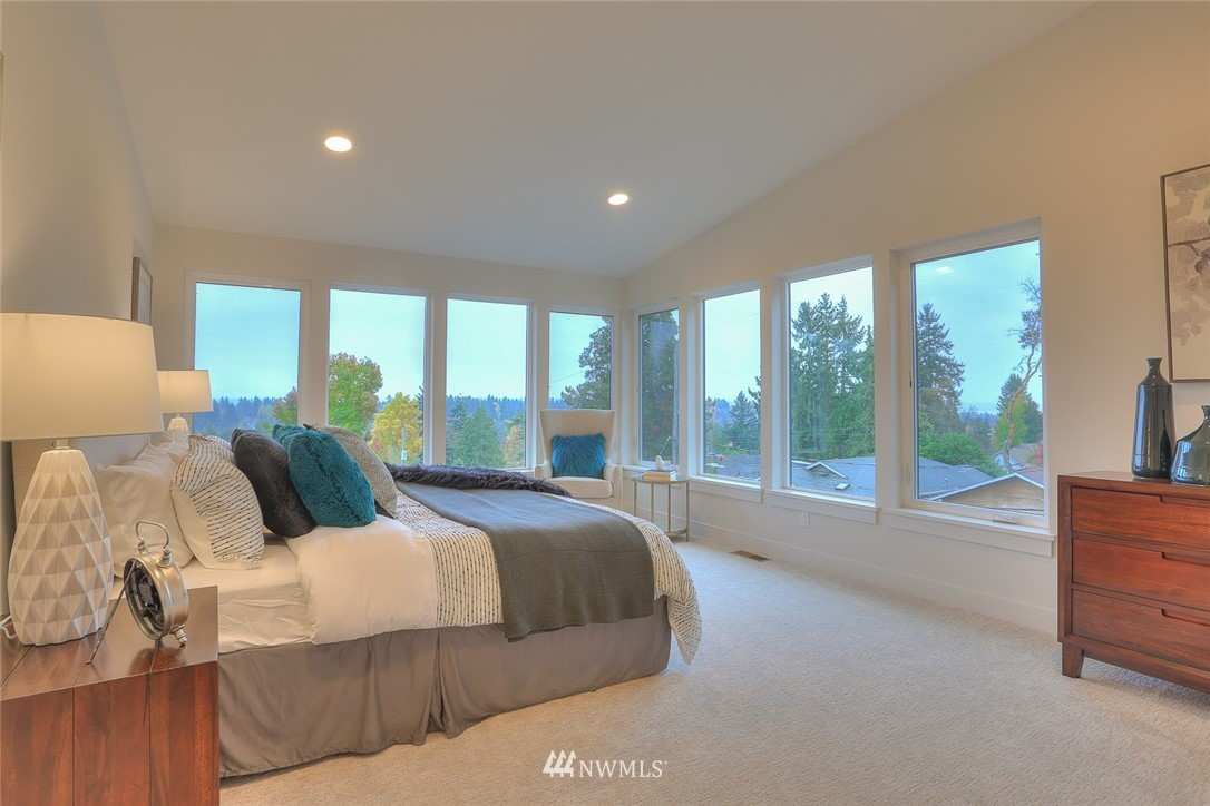 Sold Property   1532 NE 89th Street Seattle, WA 98115 15