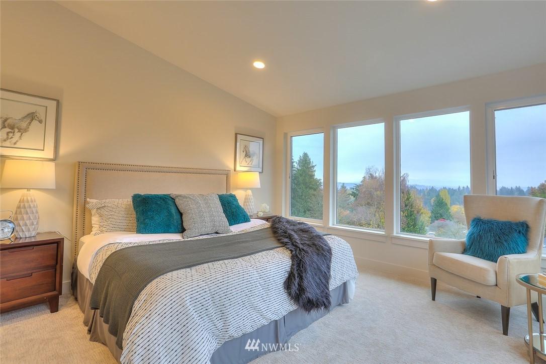 Sold Property   1532 NE 89th Street Seattle, WA 98115 16