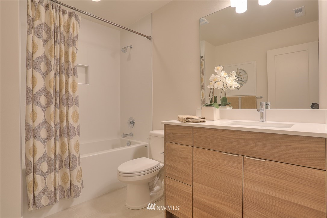 Sold Property   1532 NE 89th Street Seattle, WA 98115 11