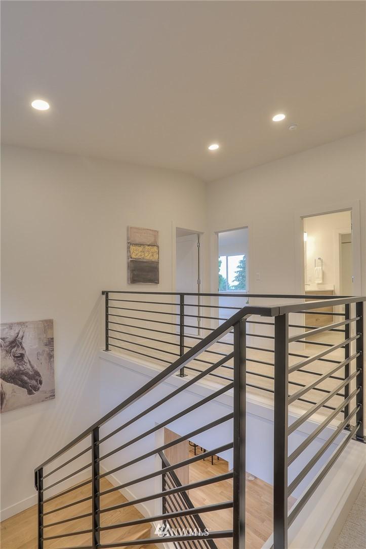 Sold Property   1532 NE 89th Street Seattle, WA 98115 12