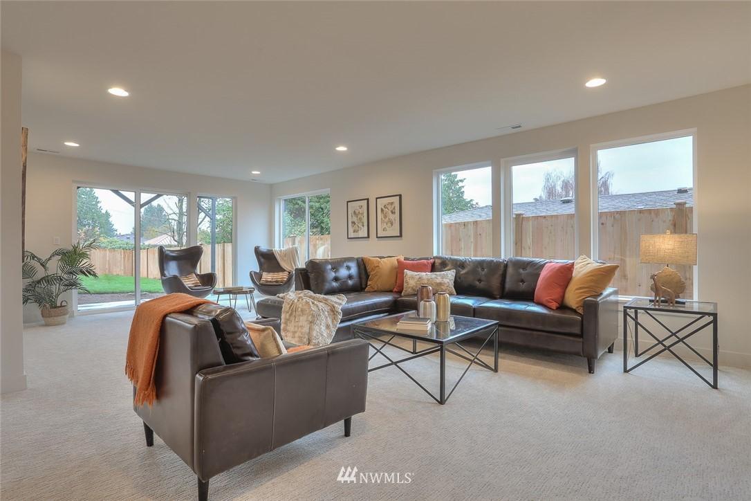 Sold Property   1532 NE 89th Street Seattle, WA 98115 19