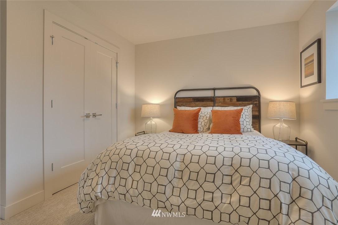 Sold Property   1532 NE 89th Street Seattle, WA 98115 21