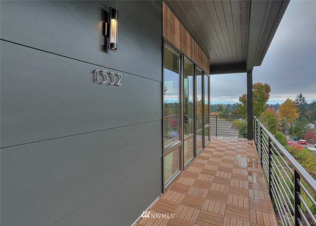 Sold Property   1532 NE 89th Street Seattle, WA 98115 4