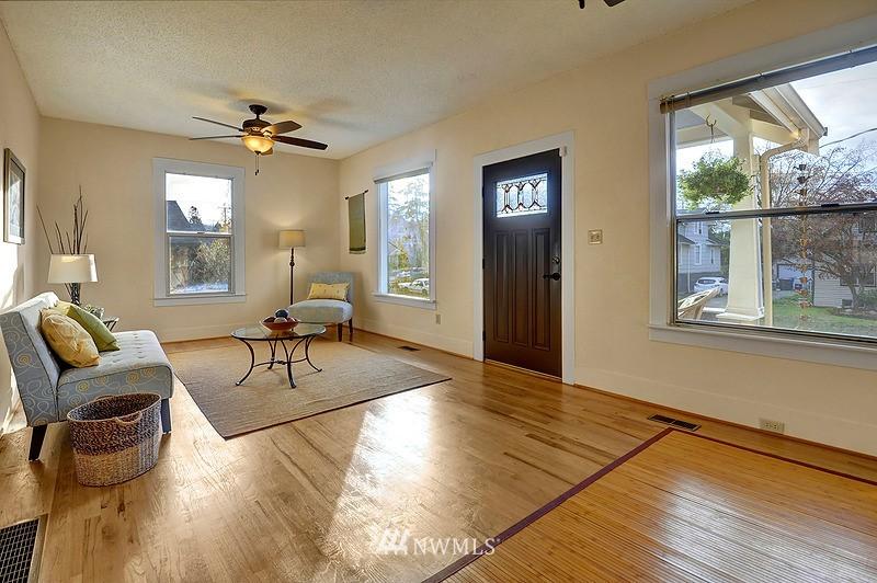 Sold Property   9332 54th Avenue S Seattle, WA 98118 3