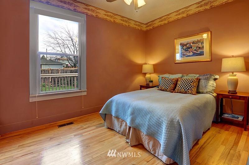 Sold Property   9332 54th Avenue S Seattle, WA 98118 8