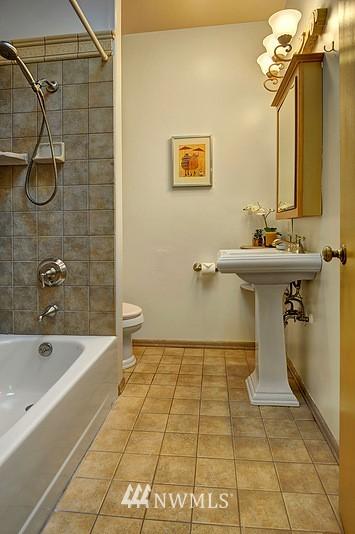 Sold Property   9332 54th Avenue S Seattle, WA 98118 10
