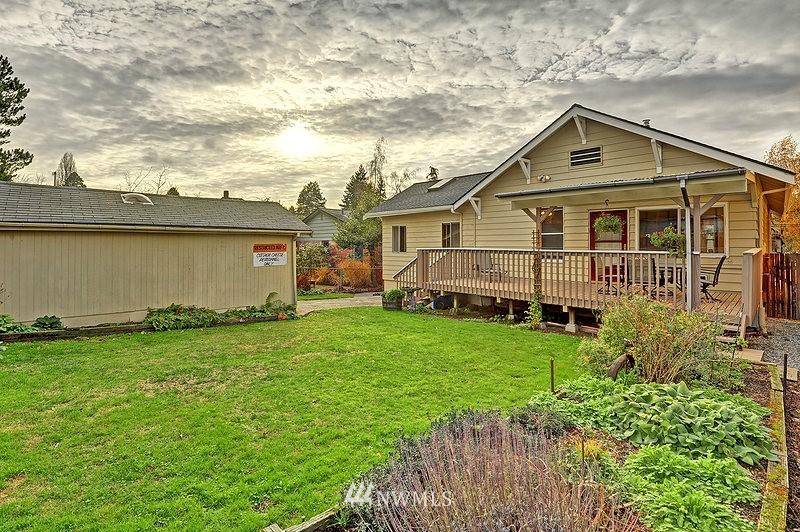 Sold Property   9332 54th Avenue S Seattle, WA 98118 15