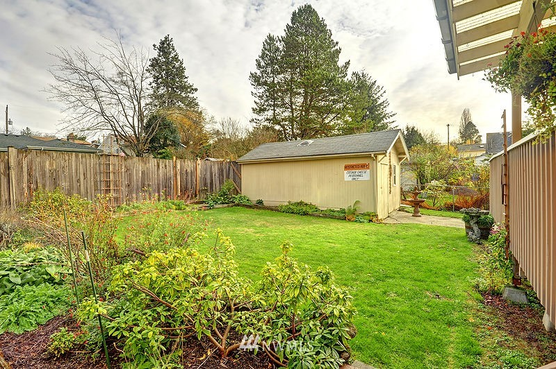 Sold Property   9332 54th Avenue S Seattle, WA 98118 16
