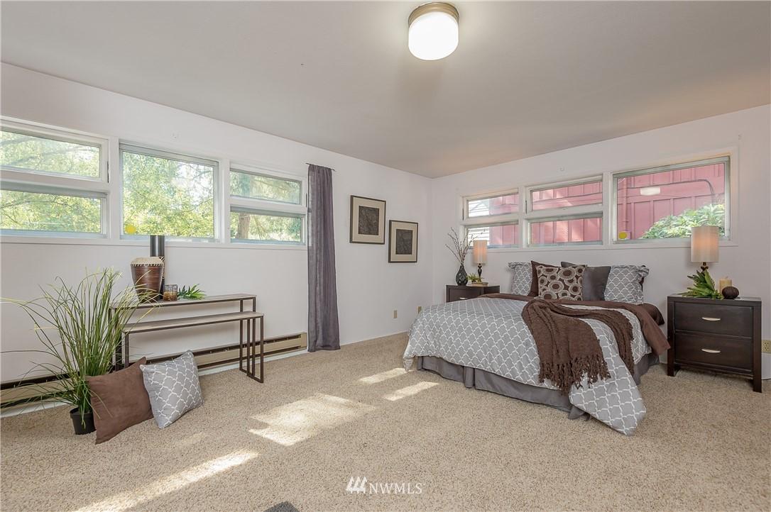 Sold Property | 2020 NE 102nd Street Seattle, WA 98125 3