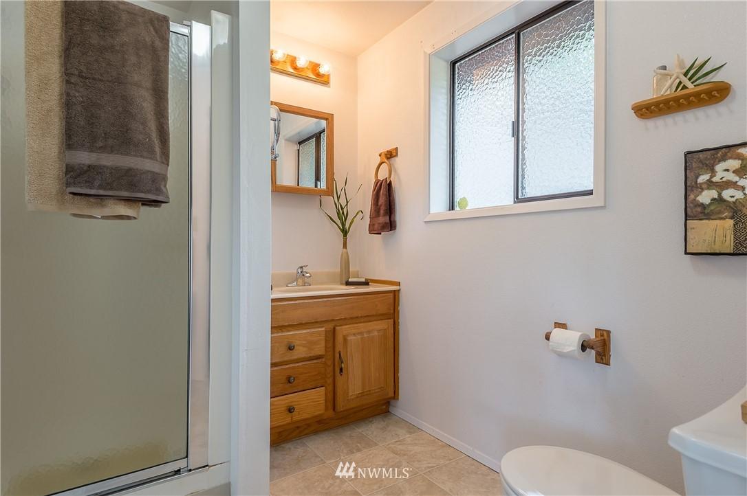 Sold Property | 2020 NE 102nd Street Seattle, WA 98125 4