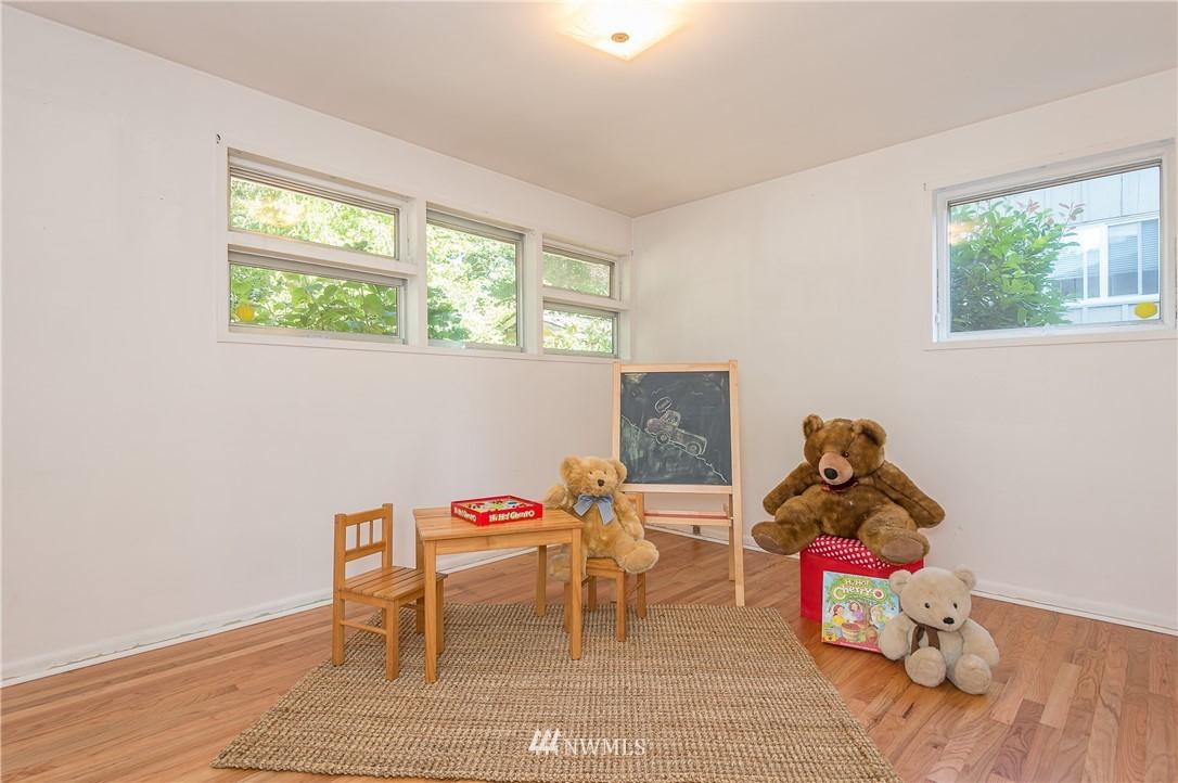 Sold Property | 2020 NE 102nd Street Seattle, WA 98125 6