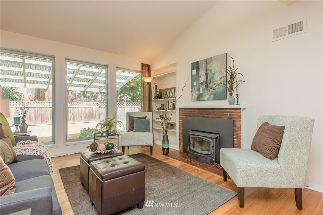 Sold Property | 2020 NE 102nd Street Seattle, WA 98125 9