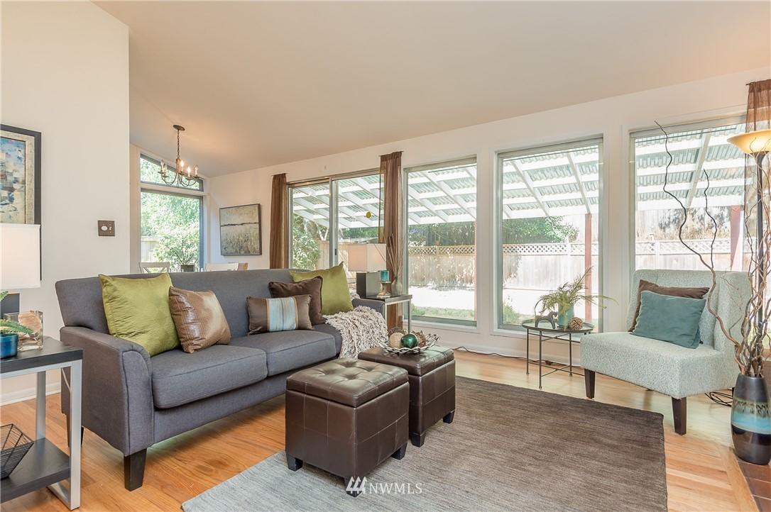 Sold Property | 2020 NE 102nd Street Seattle, WA 98125 10
