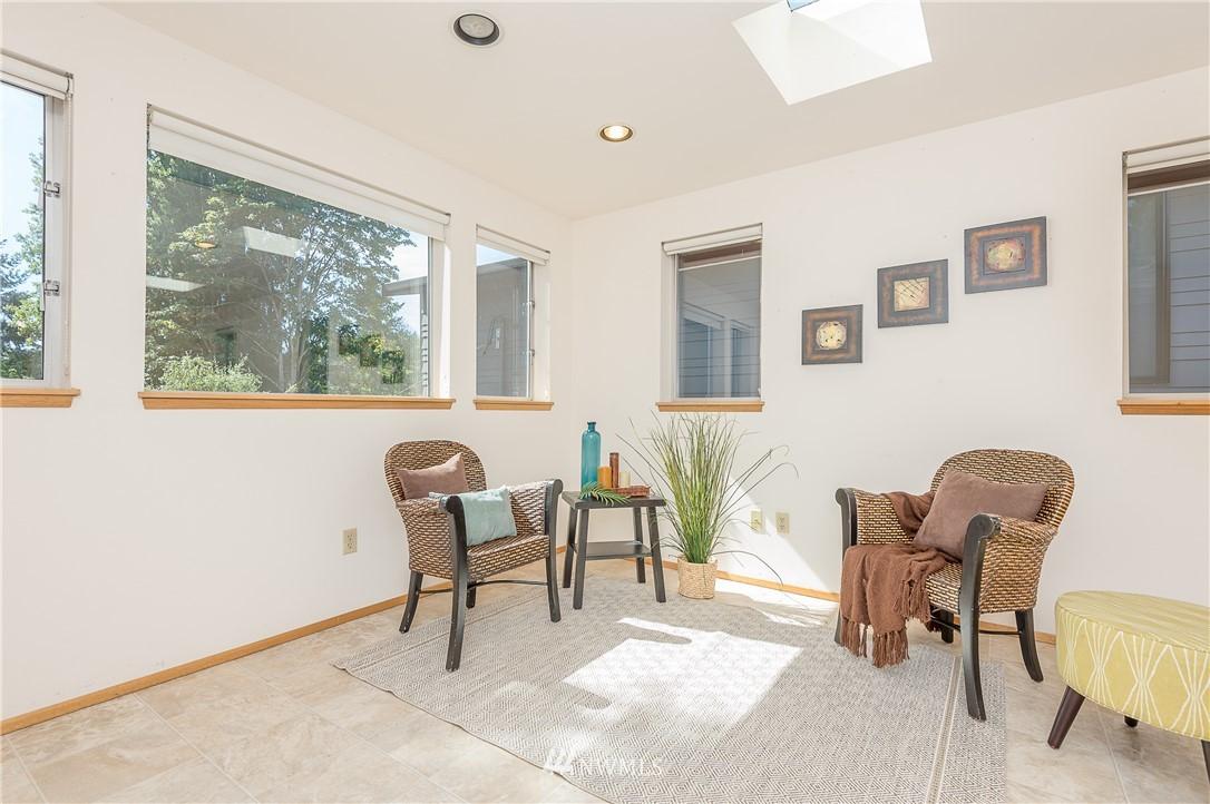 Sold Property | 2020 NE 102nd Street Seattle, WA 98125 15