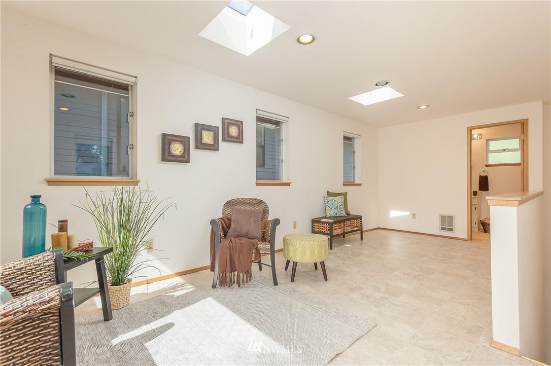 Sold Property | 2020 NE 102nd Street Seattle, WA 98125 16