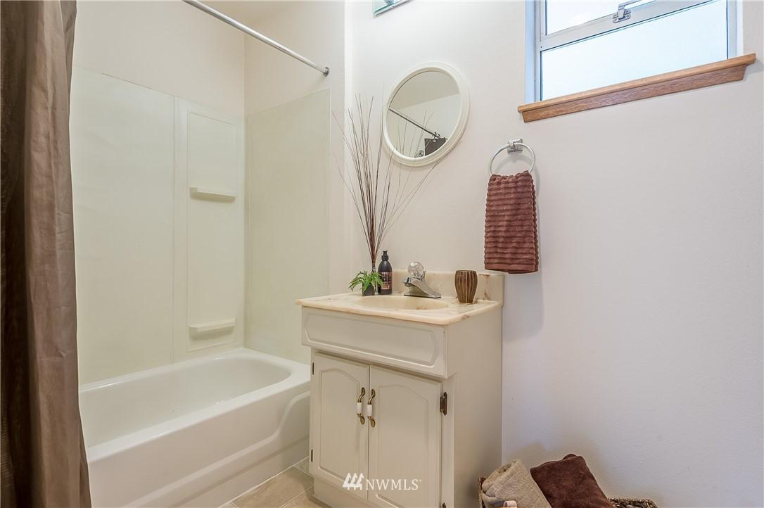Sold Property | 2020 NE 102nd Street Seattle, WA 98125 17