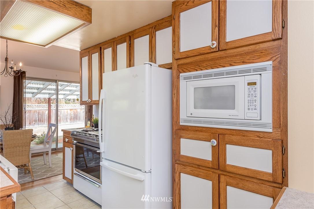 Sold Property | 2020 NE 102nd Street Seattle, WA 98125 13
