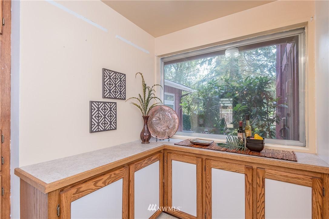 Sold Property | 2020 NE 102nd Street Seattle, WA 98125 14