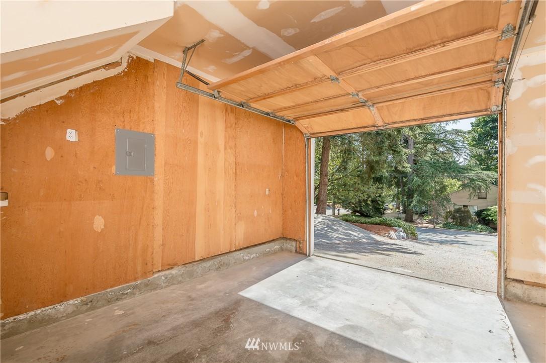 Sold Property | 2020 NE 102nd Street Seattle, WA 98125 19