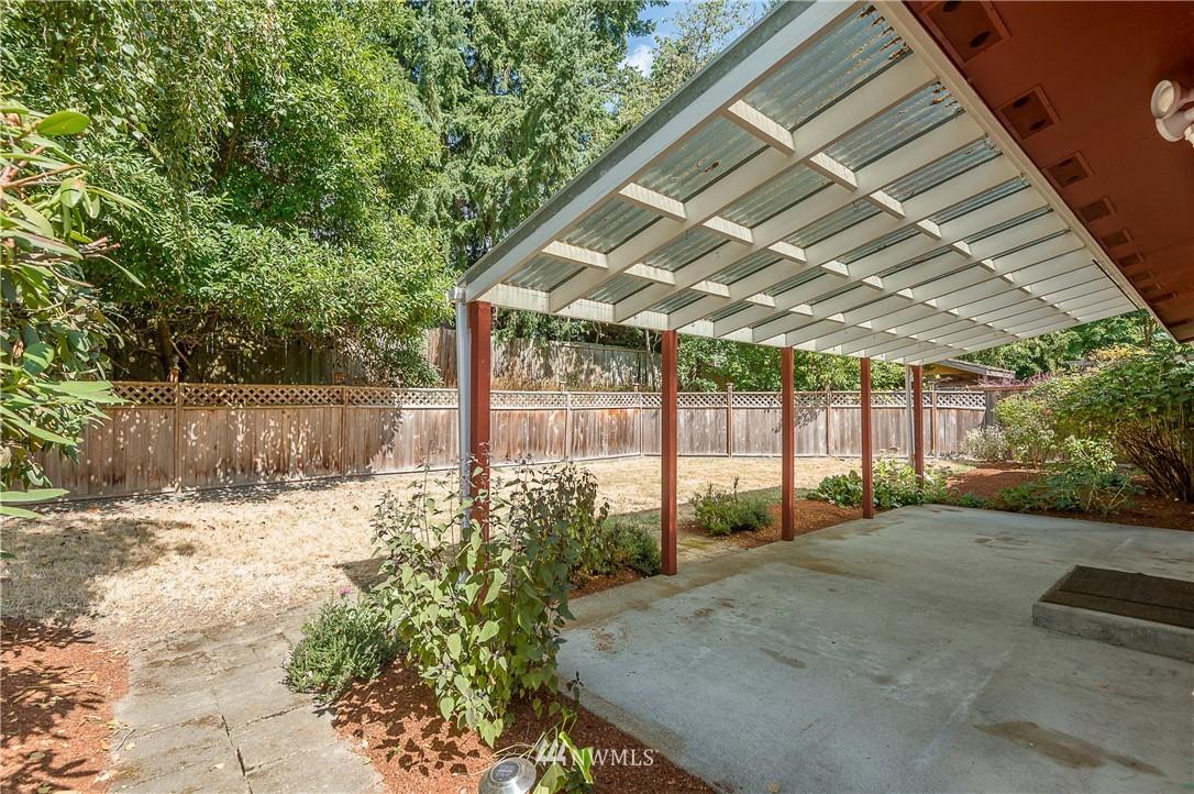 Sold Property | 2020 NE 102nd Street Seattle, WA 98125 21
