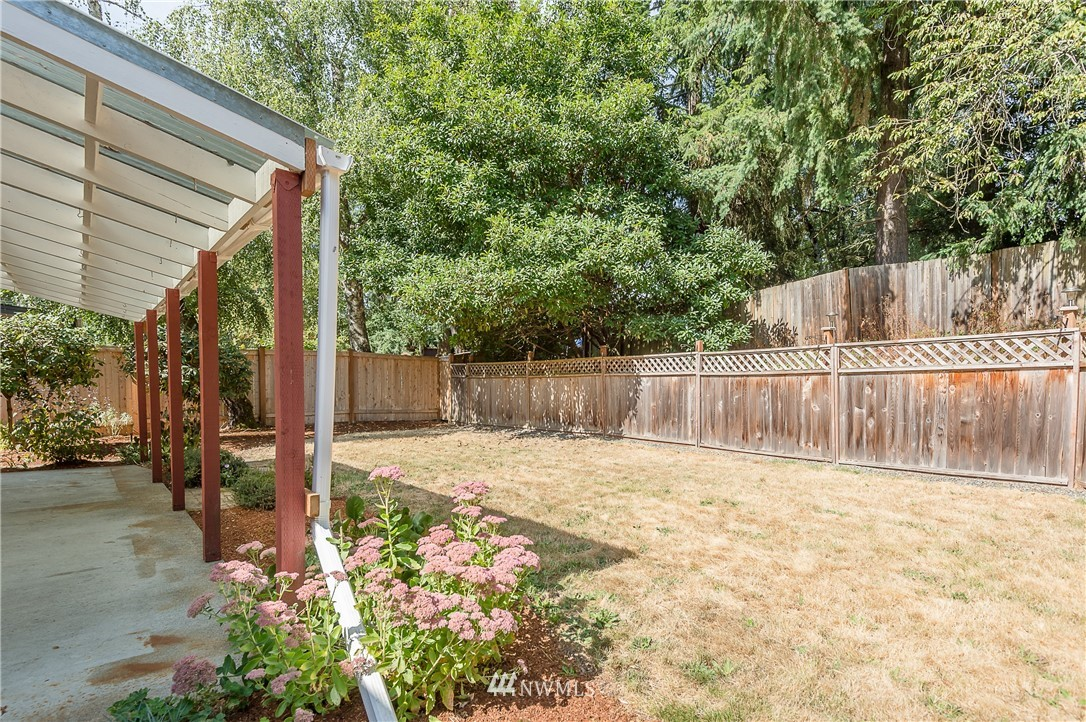 Sold Property | 2020 NE 102nd Street Seattle, WA 98125 22