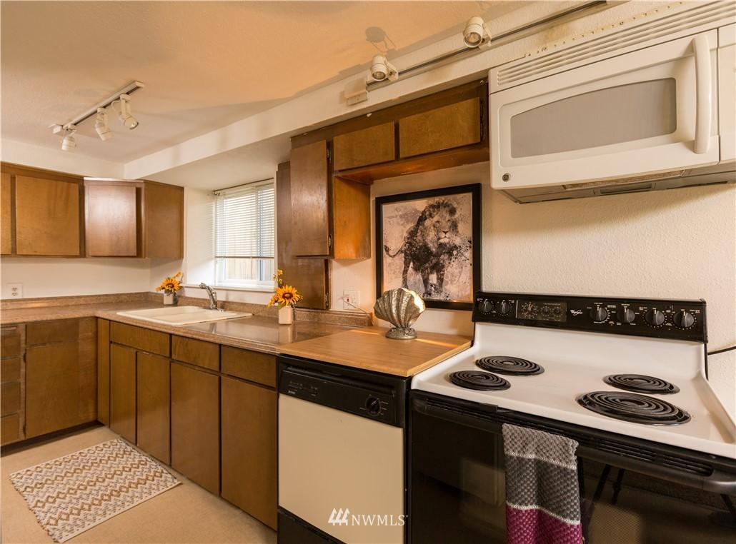 Sold Property   2118 N 62nd Street Seattle, WA 98103 19