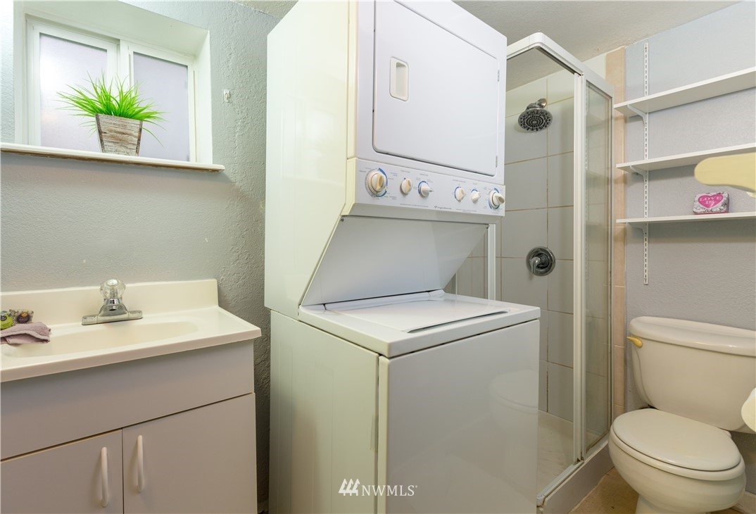Sold Property   2118 N 62nd Street Seattle, WA 98103 23