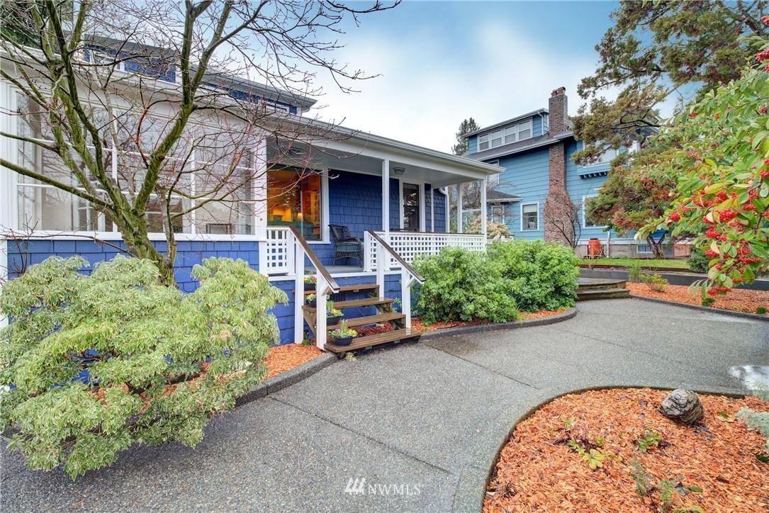 Sold Property | 4207 Burke Avenue N Seattle, WA 98103 4