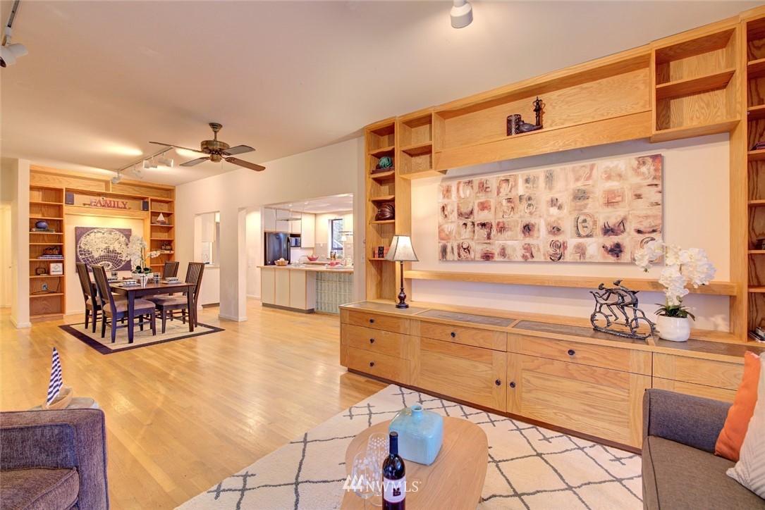 Sold Property | 4207 Burke Avenue N Seattle, WA 98103 8