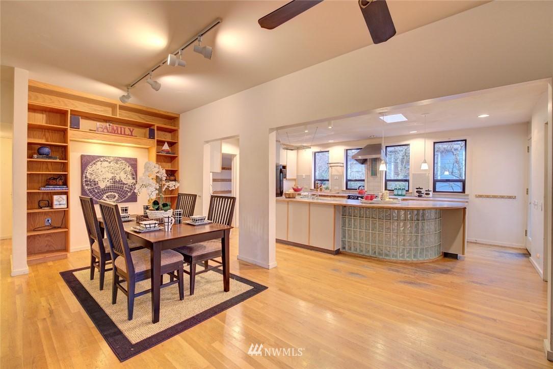 Sold Property | 4207 Burke Avenue N Seattle, WA 98103 9