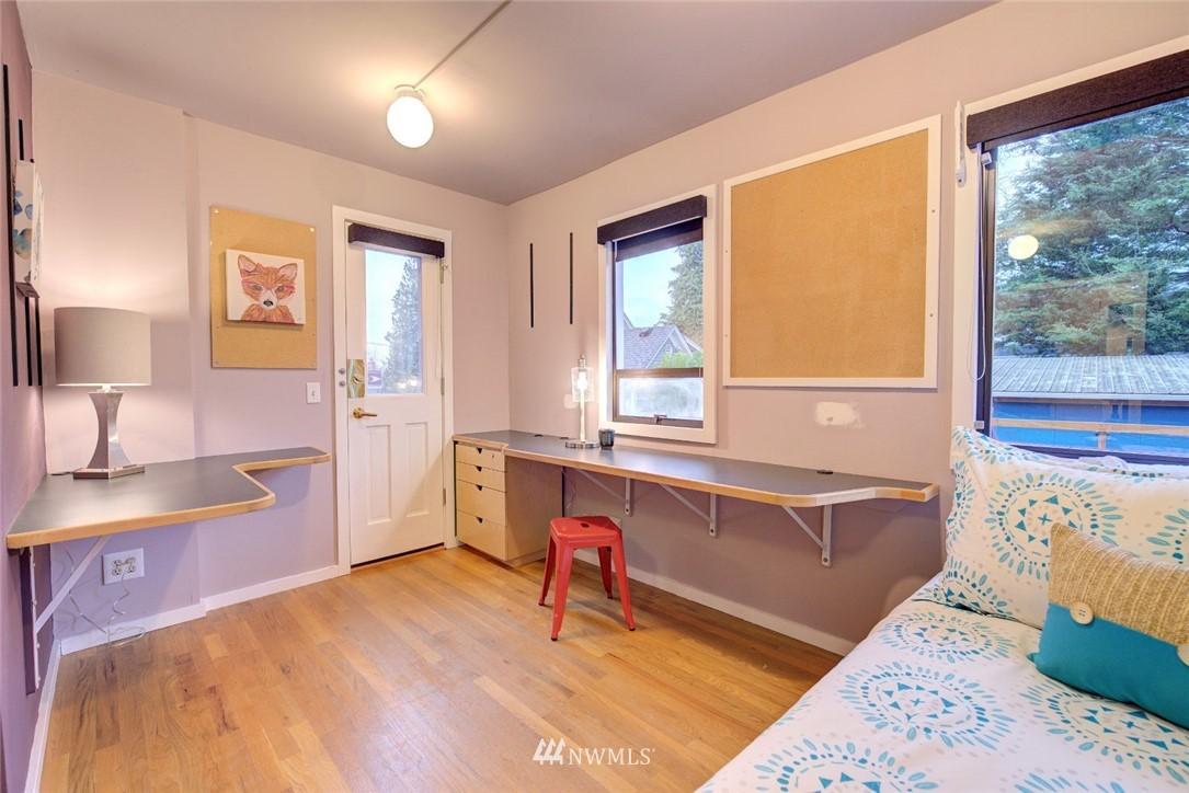 Sold Property | 4207 Burke Avenue N Seattle, WA 98103 14