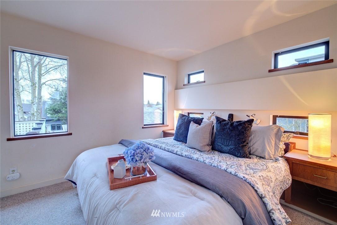 Sold Property | 4207 Burke Avenue N Seattle, WA 98103 15