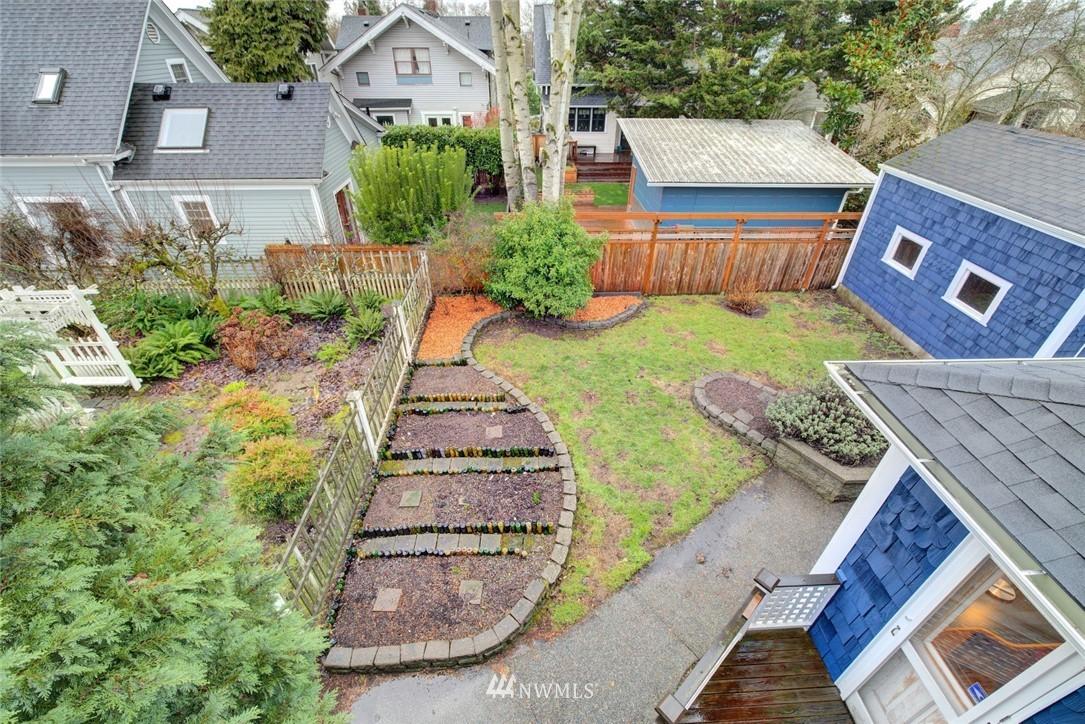 Sold Property | 4207 Burke Avenue N Seattle, WA 98103 22